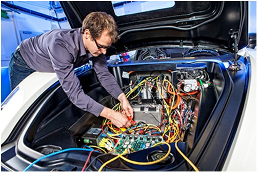 AUTOMATION INNOVATION - SOFTWARE CONTROLLED VEHICLE - SIEMENS